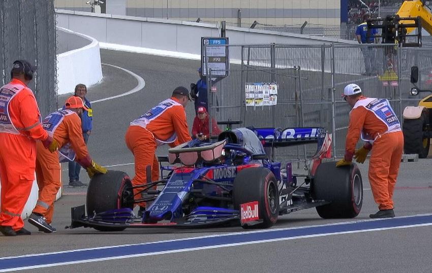 Почему команды Формулы-1 получают штраф за замену компонентов?